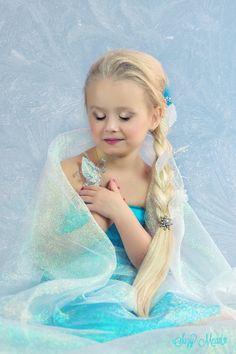 Frozen by Suzy Mead on Disney Princess Art, Ice Princess, Prince And Princess, Disney Princesses, Elsa Photos, Frozen Photos, Photo Poses, Photo Shoot, 5th Birthday
