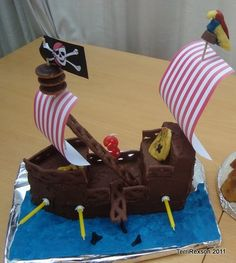 Pirate Ship Cake ..... hmmm is this too aggressive a goal.... but it looks so CUTE!