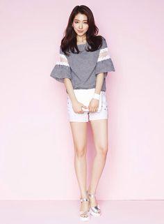 Park Shin Hye shared by Aidana on We Heart It Park Shin Hye, Korean Fashion Summer, Korean Fashion Trends, The Heirs, Gwangju, Korean Actresses, Korean Actors, Korean Celebrities, Beautiful Celebrities