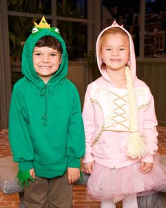 Make these adorable frog prince and princess hoodie costumes -- they will be the cutest costumes on the block this Halloween.