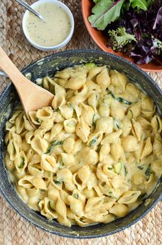 Slimming Slimming Eats Syn Free One Pot Creamy Zucchini Pasta - vegetarian, Slimming World and Weight Watchers friendly Veggie Recipes, Diet Recipes, Healthy Recipes, Pork Recipes, Veggie Dinners, Lunch Recipes, Healthy Foods, Breakfast Recipes, Slimming World Recipes Syn Free