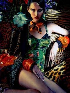 Waleska Gorczevski for Vogue Brazil November 2013.
