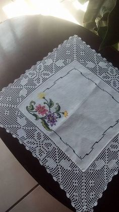 Hardanger crochet patchwork cover with delicate floral ornaments Crochet Tablecloth, Linen Tablecloth, Crochet Doilies, Crochet Round, Hand Crochet, Crochet Lace, Crochet Borders, Crochet Squares, Crochet Designs