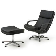 Artifort relaxfauteuil  en poef F141 en P141