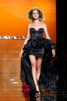Model Natalia Vodianova walks down the runway during the Ermanno Scervino show as part of Milan Womenswear Fashion Week Spring/Summer 2010 on September 25, 2009 in Milan, Italy.