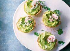 Pour l'apéritif, préparez des tartelettes au guacamole grâce à notre recette facile et rapide. Vos invités seront comblés.
