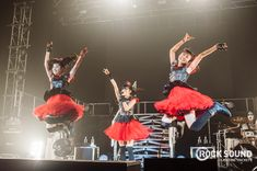 JUST A REMINDER THAT BABYMETAL PLAYED LONDON BRIXTON ACADEMY THIS WEEKEND. AND IT LOOKED LIKE THIS