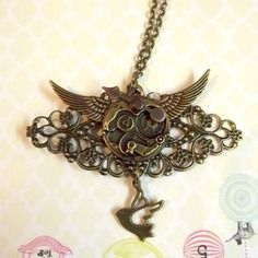 "Collier ""Find your wings and fly"" - métal couleur bronze."
