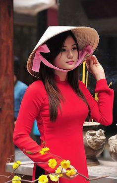 Áo dài Lễ chùa - Cầu duyên | Flickr - Photo Sharing!