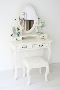 Dressing Table Design, Dressing Table Vanity, Pinterest Room Decor, Room Interior, Interior Design, Shabby Chic Interiors, Cute Home Decor, Luxury Decor, Beauty Room