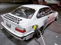 This E36 drift car just looks crazy.