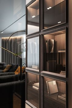 TRIUMPH: Eclectic Style Of Stones & Metals - Picture gallery Glass Showcase, Showcase Design, Dark Interiors, Office Interiors, Joinery Details, Eclectic Style, Cabinet Design, Lightroom, Interiores Design