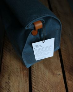 A rugged little lunch bag to go with the rugged weather out there - rural kind