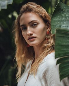 J A C K Y Z O E 🖤 (@jackyxzoe) • Instagram-Fotos und -Videos Creative Portraits, Tropical, Mindfulness, Videos, Instagram, Consciousness, Awareness Ribbons