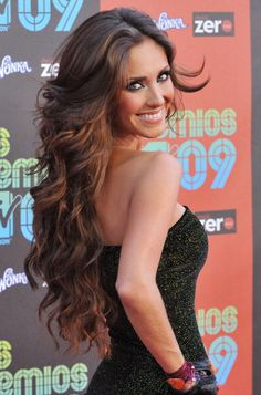 I am seriously obsessed with anahi's hair!!