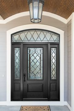 Boost curb appeal with a Pella® fiberglass entry door.