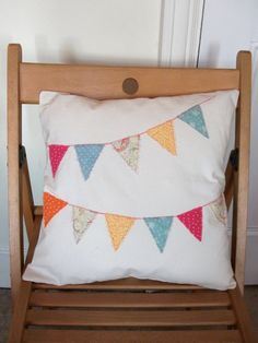 Bunting cushion cover - FeteDuVillage