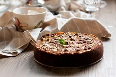 Caramel cheesecake with hazelnuts