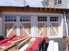 Garage Door Design, Main Door Design, Garage Doors, Garage Attic, Barn Garage, Green Front Doors, Front Door Colors, Front Door Porch, Glass Front Door