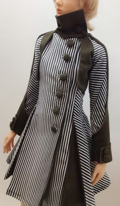 Lily Coat '' Army stripe '' (OS-134) via OUGI SAIGON. Click on the image to see more!