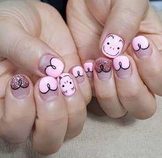 """So cute... SƠN GEL VÌ SỨC KHOẺ MÀ GIÁ LẠI HẠT DẺ! Sản phẩm nhập khẩu chính hãng Mỹ với tiêu chí 5 free hoàn toàn không chứa hoá chất gây hại thường gặp trong sơn móng tay. Bảo đảm an toàn sức khỏe cho người sử dụng. """"A thing of beauty is a joy forever""""-John Keats .Sunny nails chỉ sử dụng những sản phẩm tốt cho sức khỏe đề cao tính thẩm mỹ design theo phong cách Hàn Quốc Nhật Bản Mỹmôi trường làm đẹp văn minh sạch sẽ thư giãn và thân thiện! Hotline: 0936345918 #nails #sunnynails #blingbling…"""