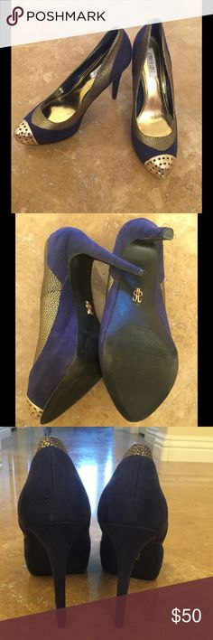 🎉HP🎉10/29🎉Jennifer Lopez  heels Blue and gold heels buy Jennifer Lopez. Worn once! Jennifer Lopez Shoes Heels