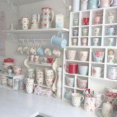 Shabbilicious Sunday visits Olivia's beautiful Scandinavian style cottage from…