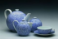 The Czech-American designer Ladislav Sutnar Making Machine, Tea Sets, Alone, White Porcelain, Teapot, Cup And Saucer, Pots, Blue And White, Sugar