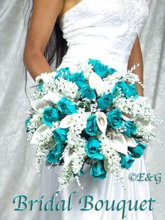 Are you thinking about having your wedding by the beach? Are you wondering the best beach wedding flowers to celebrate your union? Here are some of the best ideas for beach wedding flowers you should consider. Teal Wedding Bouquet, Turquoise Wedding Flowers, Teal Bouquet, Boquette Wedding, Bridesmaid Flowers, Bride Bouquets, Wedding Ideas, Bouquet Flowers, Wedding Colors Teal