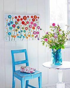 Easy Home Decor Flower Wall Hanging Crochet Wall Art, Crochet Wall Hangings, Form Crochet, Crochet Patterns, Crochet Decoration, Crochet Home Decor, Hanging Flower Wall, Home And Deco, Crochet Flowers