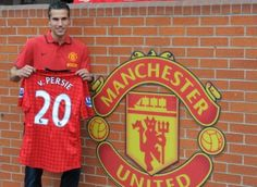 Robin van Persie signs for Manchester United 2012