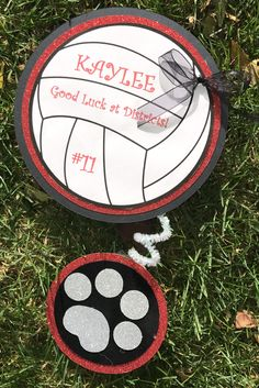 Cute volleyball locker sign wth panther paw. Volleyball Locker Decorations, Volleyball Crafts, Volleyball Shirt Designs, Volleyball Team Gifts, Volleyball Party, Volleyball Ideas, Softball Stuff, Cheerleading, Volleyball Locker Signs