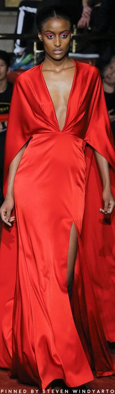 Christian Siriano Fall Winter 2018 Fashion Show Red Fashion, Fashion Show, Womens Fashion, Fashion Design, Winter 2018 Fashion, Autumn Fashion, Red Party, Christian Siriano, Black White Red