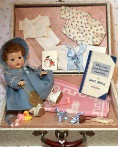 Effanbee 11 Mold 3 Dy-Dee Ellen with Complete Layette and Suitcase Baby Doll Clothes, Doll Clothes Patterns, Antique Dolls, Vintage Dolls, Effanbee Dolls, Dolls Dolls, Real Baby Dolls, Human Doll, Vintage Teddy Bears