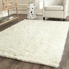 Safavieh Handmade Flokati Ivory Wool Rug (5' x 8') | Overstock.com Shopping - The Best Deals on 5x8 - 6x9 Rugs