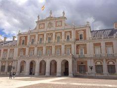 Para finalizar el día os invitamos a pasear por el palacio real de Aranjuez. http://www.rutasconhistoria.es/loc/palacio-real-de-aranjuez