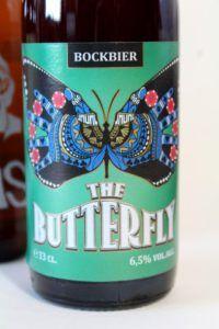Het Nest - The Butterfly Ongewoon Lekker Review van Beer in a Box: Ik was in het begin een heel klein beetje sceptisch; bierliefhebbers blij maken met onbekende bieren? Maar wij kennen alles toch al? 😉 Leuk om te zien dat zelfs de doorgewinterde speciaalbierdrinkers nog eens verrast kunnen worden met de bieren van de Beer! 😀 Fans, Container, Beer