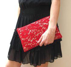 Pochette in pizzo rosso e tessuto beige, borsa di pizzo, borsa a mano, pochette rossa, regalo per lei, idea regalo San Valentino