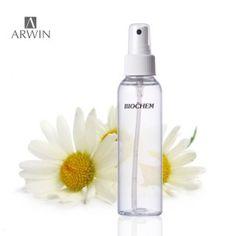 可幫助身心放鬆,適合所有膚質可作為每日使用的化妝水,質純溫可平衡油脂分泌、收緊毛孔,恢復健康亮澤的肌膚洋甘菊純露香味清甜 柔和精緻