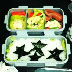 Yesterday's lunchbox: Rice with spaghetti with cheese, crab stick, spring onion tamagoyaki, octopus wiener & long beans and carrot ((it's crunchy!!)) It kinda failed and although cold, it taste good *\(^o^)/*