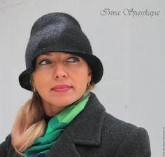 """Купить Шляпка-клош """"Вьюга"""" из коллекции """"Секрет Полишинеля"""" - черный, абстрактный, шляпка-клош"""