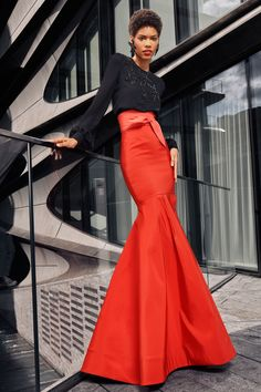 Naeem Khan Spring 2021 Ready-to-Wear Collection - Vogue Naeem Khan, Look Fashion, Fashion News, Fashion Show, Fashion Design, Fashion Details, Modest Fashion, Fashion Dresses, Vogue Paris