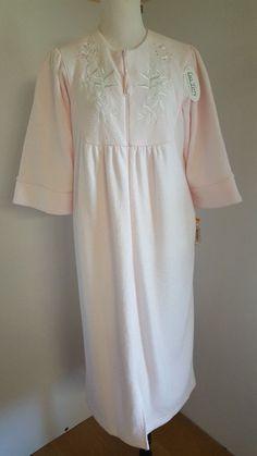 0aee090a37 Miss Elaine Petites Sleepwear Ladies Size PS Pink Robe Floral Yoke Terry  9949  MissElaine