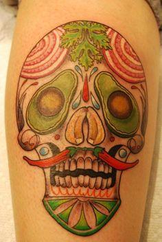 """Tradicionalmente, los tatuajes (tattoo) de calaveras mexicanas han simbolizado la muerte con una """"M"""" mayúscula, ¡pero no de una manera siniestra o negativa! Si hay un hecho innegable en este planeta, es que ningún ser humano escapa de la Parca, por rico o famoso que sea.! Food Tattoos, Body Art Tattoos, Sleeve Tattoos, Neck Tattoos, Calaveras Mexicanas Tattoo, Vegetable Tattoo, Culinary Tattoos, Chef Tattoo, Sugar Skull Tattoos"""