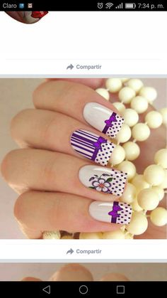 Like middle finger design Nancy Nails, Fingers Design, Silver Nails, How To Do Nails, Gel Nails, Nailart, Nail Designs, Dots, Natural Nails