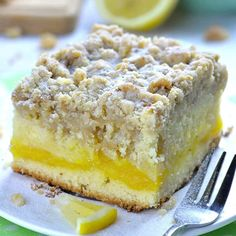 Lemon Coffee Cake Lemon Coffee Cake is a delicious, moist and sweet breakfast or snack cake, and also a very easy dessert recipe. Bursting with tangy lemon flavor, this coffee cake is the perfect treat to enjoy this spring or summer! Lemon Desserts, Lemon Recipes, Easy Desserts, Cake Recipes, Dessert Recipes, Easter Recipes, Dessert Food, Recipes Dinner, Lemon Cakes