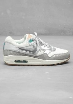 Nike Air Max in white and silver