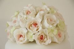 Hochzeitstorte elegant rosa zartgrün Rosen handmodelliert  Flickr ...