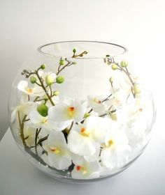stacked bubble bowls with flowers .Glass Fishbowl Vase - There are a great deal of people out there who can look at glass vases that are apparent and watch me Orchid Flower Arrangements, Orchid Centerpieces, Artificial Flower Arrangements, Beautiful Flower Arrangements, Glass Fish Bowl, Ikebana, Flower Decorations, Flower Pots, Funeral Cake
