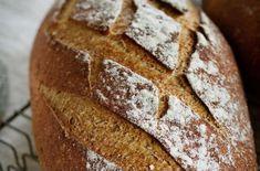 Hjemmebakt er best, og Charlotte Mohn Gaustad frister med ferske surdeigsbrød til helgefrokosten. Rye Flour, Bread Mix, Sourdough Bread, Sweet, Yeast Bread, Candy